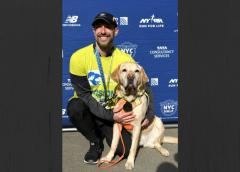 Estadounidense ciego logró completar una media maratón gracias a la ayuda de sus perros guías…