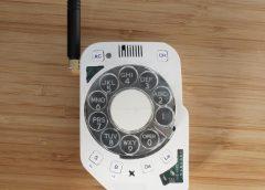 Crea su propioteléfono móvil libre dedistracciones usando un disco de marcar retro…