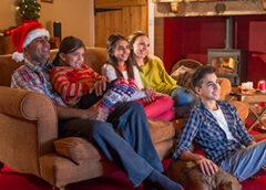 El trabajo soñado: ofrecen $2.500 dólares por ver 25 películas de navidad en 25 días…